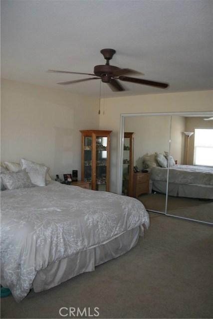 15210 Legendary Drive, Moreno Valley CA: http://media.crmls.org/medias/84106230-0f01-4a84-8900-0af860bd5b33.jpg
