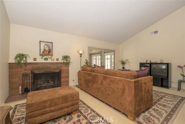 995 W 15th Street, Upland CA: http://media.crmls.org/medias/841a3dea-da61-42af-a8f6-18bad8ddf599.jpg