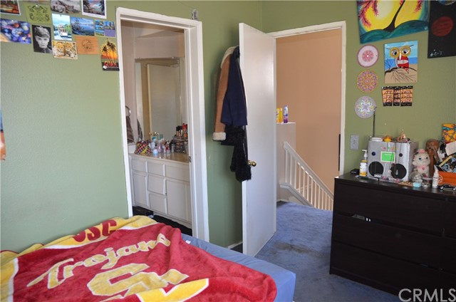 11813 Alabaster Court, Fontana CA: http://media.crmls.org/medias/841f3df9-e0b2-47b3-9fe7-b0c925e52e9d.jpg