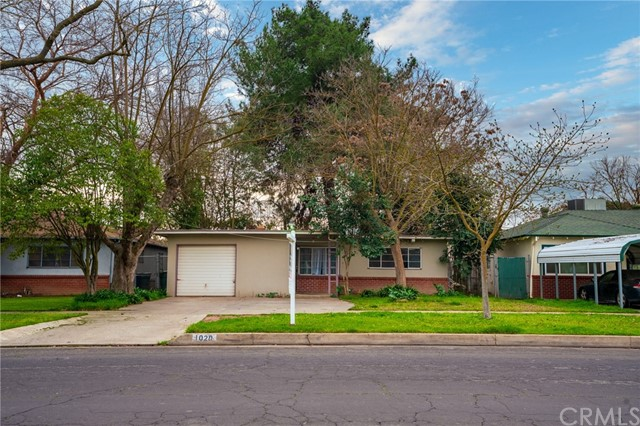 Detail Gallery Image 1 of 1 For 1020 W 25th St, Merced,  CA 95340 - 3 Beds | 1 Baths