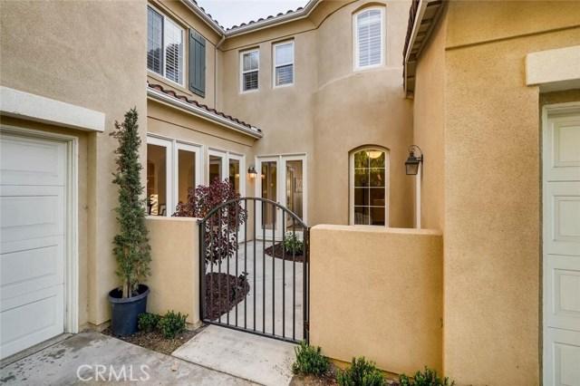 8140 E Bailey Way, Anaheim Hills CA: http://media.crmls.org/medias/84569108-cf7c-4a98-80cb-77fed9f7ab03.jpg
