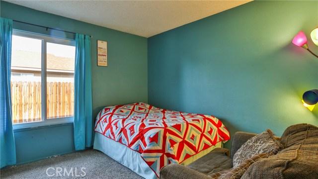 1322 Lanfair Street, Redlands CA: http://media.crmls.org/medias/846ac90c-2d26-445c-9e86-97b8f1522d09.jpg