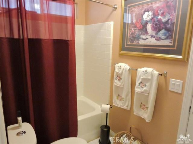 57130 Selecta Avenue, Yucca Valley CA: http://media.crmls.org/medias/8480a995-a481-4c40-98b5-cc1df141d4ab.jpg