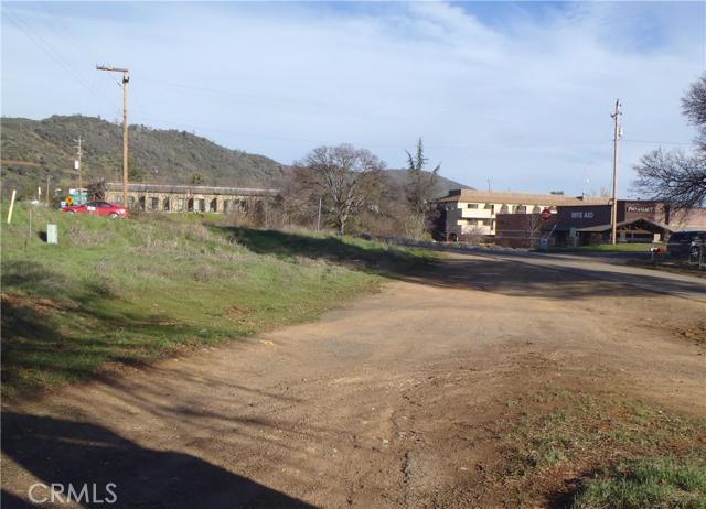 5155 Fournier Road, Mariposa CA: http://media.crmls.org/medias/848ded38-4f23-47b8-bd23-db0b3e5292da.jpg