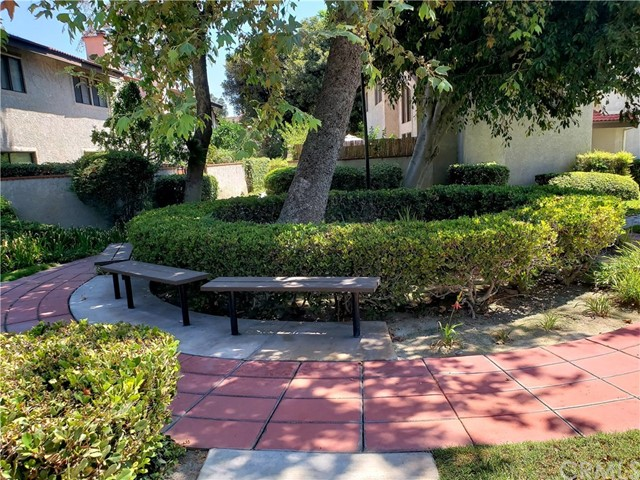11864 Los Alisos Circle, Norwalk CA: http://media.crmls.org/medias/84954d91-f853-4066-a425-40a8a9e7d4f2.jpg