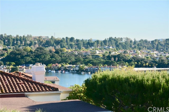 22394 Estallens 54 Mission Viejo, CA 92692 is listed for sale as MLS Listing OC17008726