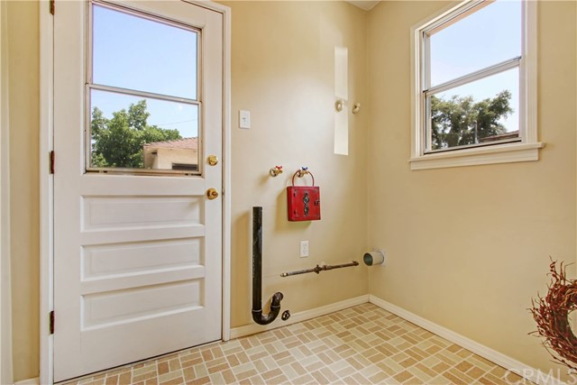 124 E 34th Street, San Bernardino CA: http://media.crmls.org/medias/84b9a3a5-73b8-497c-979c-eb97df690a25.jpg