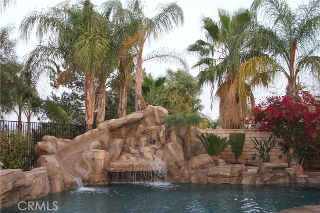 1481 Sunshine Circle, Corona CA: http://media.crmls.org/medias/84bf9e2d-f3e7-461e-9b29-8c144fc78515.jpg
