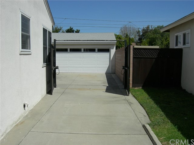 5261 E 27th St, Long Beach, CA 90815 Photo 16