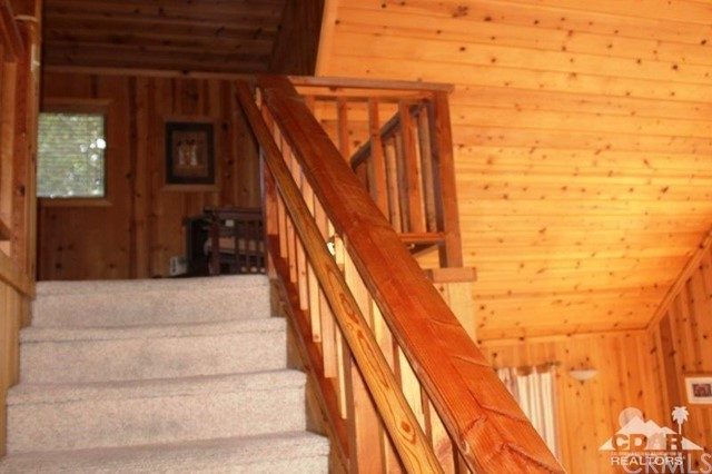 23076 Oak Leaf Lane, Idyllwild CA: http://media.crmls.org/medias/84d85049-7655-4f2f-9d5e-bc1cf34642a1.jpg