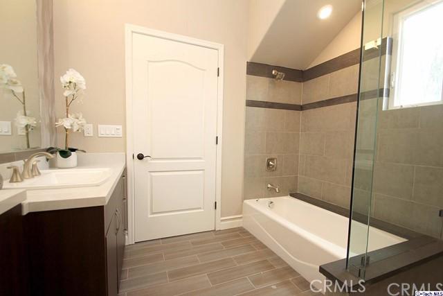 201 N Reese Place Unit 207 Burbank, CA 91506 - MLS #: 317006138