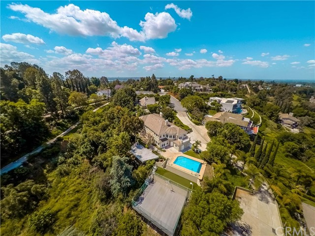 1818 Linda Vista Circle, Fullerton CA: http://media.crmls.org/medias/84e439c2-df06-45d4-a3d8-c1e8a58be2ca.jpg