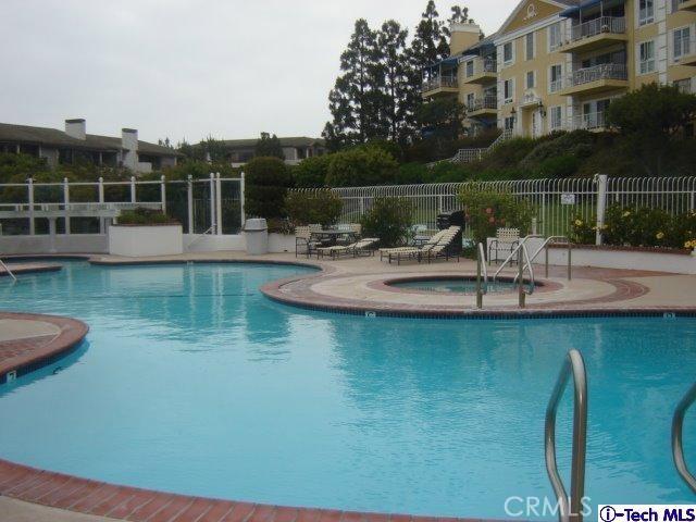 200 McNeil Lane, Newport Beach CA: http://media.crmls.org/medias/84f7657f-afd8-4cea-85ba-8cccbd5107b8.jpg