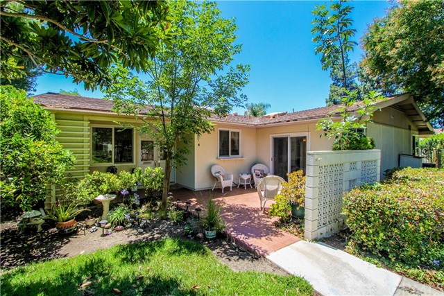 Photo of 592 Avenida Majorca #D, Laguna Woods, CA 92637