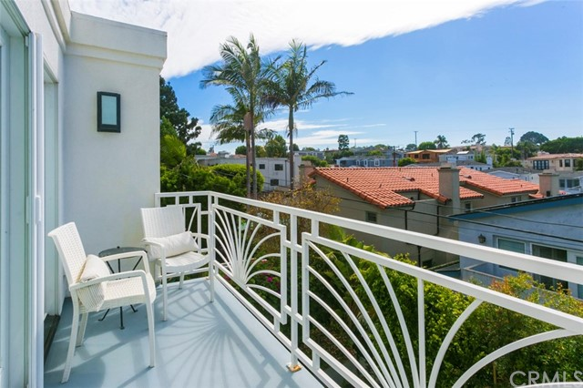 Additional photo for property listing at 2313 Pine Avenue 2313 Pine Avenue Manhattan Beach, Californie,90266 États-Unis