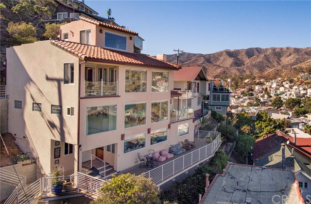 Single Family for Sale at 150 Middle Terrace Road Avalon, California 90704 United States