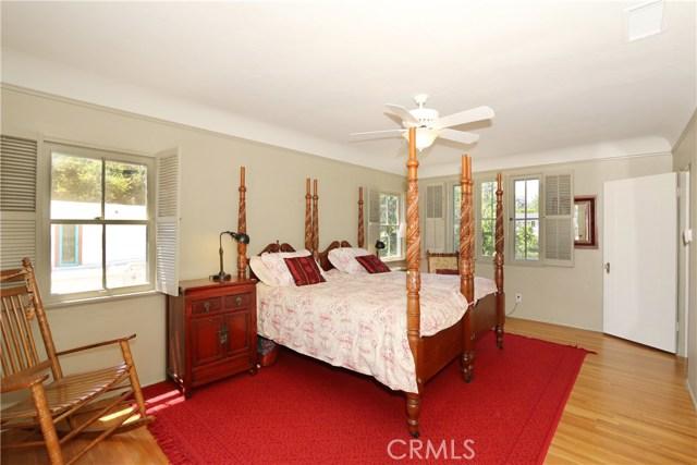 130 W 8th Street, Claremont CA: http://media.crmls.org/medias/852512a2-ac65-435d-9729-86b75cd8433c.jpg
