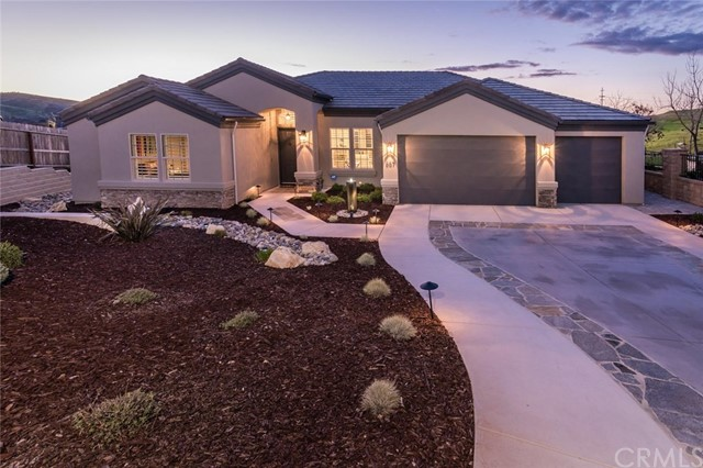 667 Red Cloud Road, Paso Robles, CA 93446