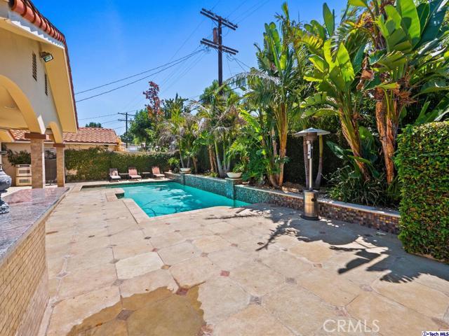 18038 Valley Vista Boulevard, Encino CA: http://media.crmls.org/medias/85349cd4-4f1a-4752-b45f-ee2f97aafa68.jpg