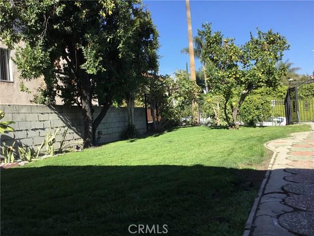 4302 Russell Avenue, Los Angeles CA: http://media.crmls.org/medias/854a414f-2511-47a8-ae8d-f613a6e15a0b.jpg