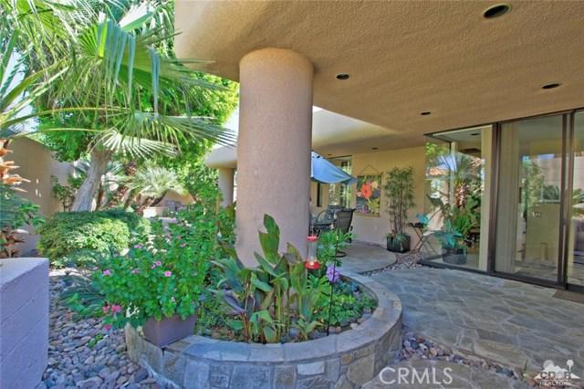45575 Alta Colina Way, Indian Wells CA: http://media.crmls.org/medias/854d2cef-2695-4d97-9e30-9f14820cb7db.jpg