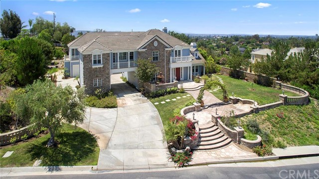 Single Family Home for Sale at 19070 Maple Leaf Yorba Linda, California 92886 United States