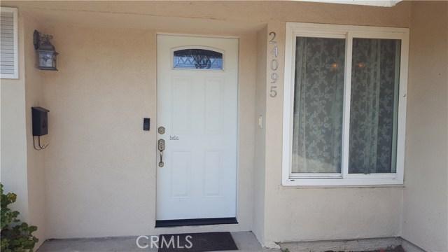 24095 Gemwood Drive, Lake Forest CA: http://media.crmls.org/medias/85615e94-0a6f-4924-9f1f-9e6366ee746a.jpg