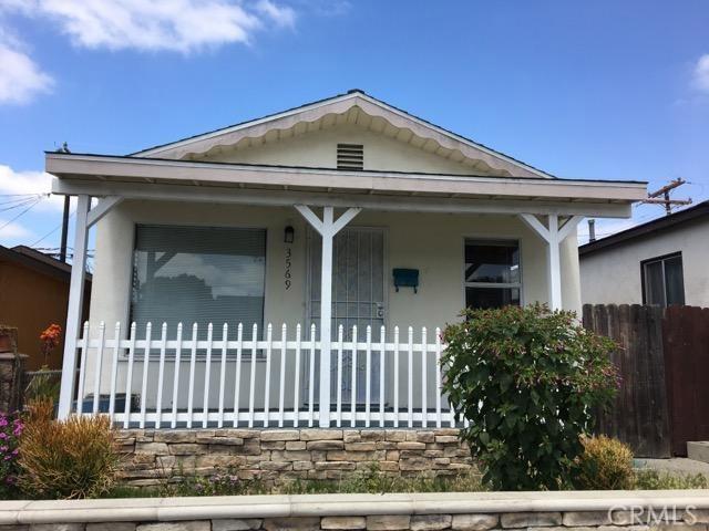 3569 Delta Avenue, Long Beach CA: http://media.crmls.org/medias/85654253-c03c-4203-bc5e-98718fdf5d06.jpg
