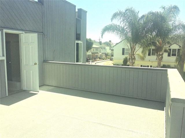 201 Diamond Avenue, Newport Beach CA: http://media.crmls.org/medias/856577f4-8da3-4ccc-a0ca-b39820e7e32e.jpg