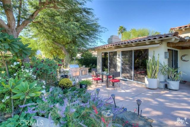54015 Southern Hills, La Quinta CA: http://media.crmls.org/medias/856c1332-8f4d-484a-8210-c535bcab6628.jpg