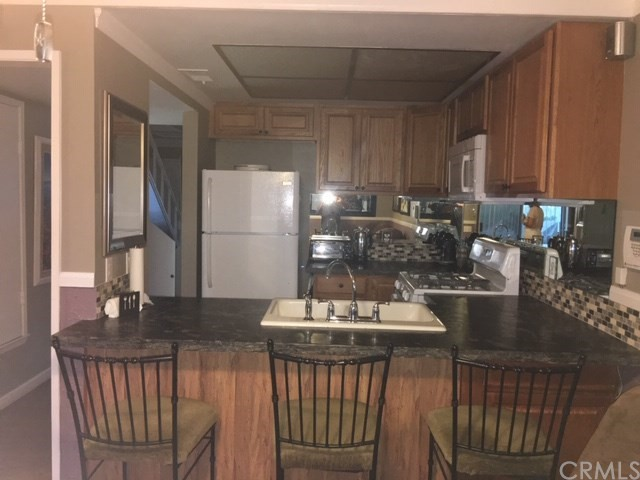 61 Lakeview Circle, Riverside, California 92234, 2 Bedrooms Bedrooms, ,1 BathroomBathrooms,Condominium,For sale,Lakeview,CV20184834