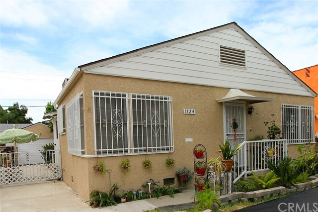 Single Family Home for Sale at 1324 Carlton Drive Glendale, California 91205 United States