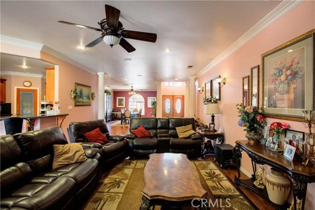 8777 Blossom Avenue, Dos Palos CA: http://media.crmls.org/medias/85755515-7e8d-4774-9c31-8428e1839cac.jpg
