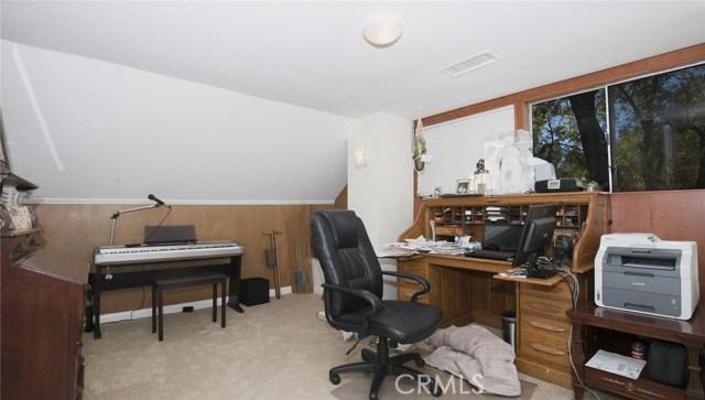 1311 S Center Street, Redlands CA: http://media.crmls.org/medias/857dbaeb-f73a-4154-8ed4-d33b02cb5701.jpg