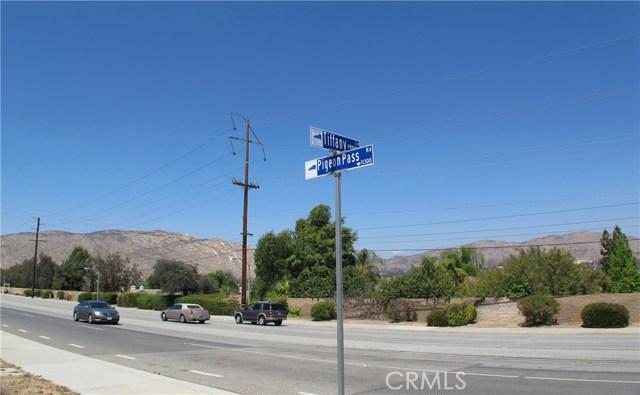 11275 Eagle Rock Road, Moreno Valley CA: http://media.crmls.org/medias/858d79eb-2af2-46fb-86bc-565a2210128e.jpg