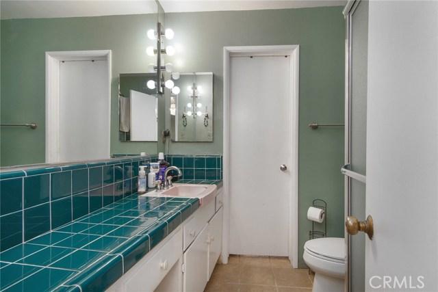 2930 Westridge Road, Riverside CA: http://media.crmls.org/medias/85a20ff9-8853-4c46-aee0-4cca182ab056.jpg