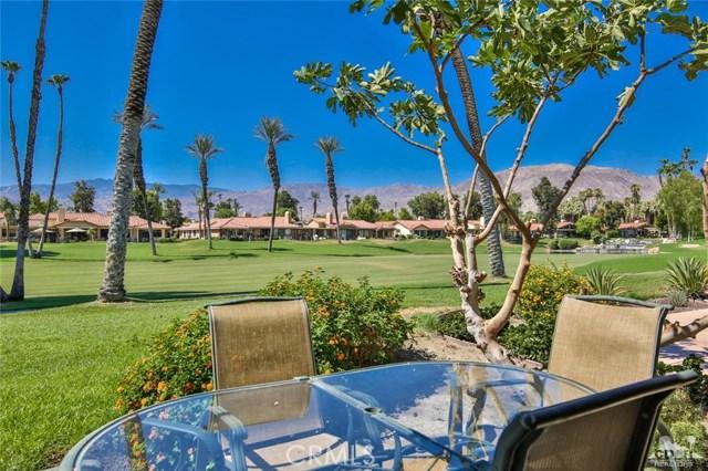 241 Castellana, Palm Desert CA: http://media.crmls.org/medias/85a661b3-e0b9-4e7f-b637-ec1367a00fb9.jpg