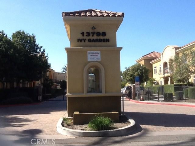 13798 Roswell Avenue, Chino CA: http://media.crmls.org/medias/85a80a00-96fb-4b48-bff2-0ba4208434c9.jpg