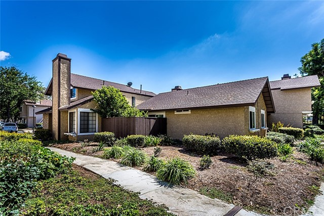 2822 Oak Creek Drive Unit E Ontario, CA 91761 - MLS #: CV17139497