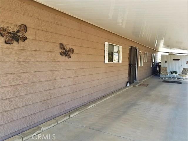 7501 Palm, Yucca Valley CA: http://media.crmls.org/medias/85c051be-9ade-44f0-a36e-b10cc1bb9c48.jpg