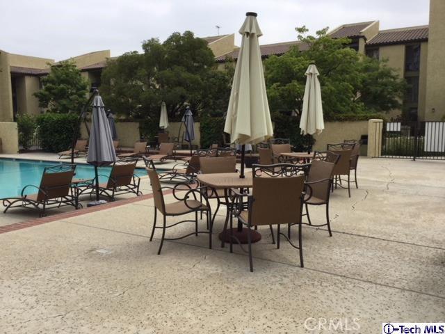 4040 Via Marisol, Los Angeles CA: http://media.crmls.org/medias/85c63044-941b-4f13-a449-7e6bdf491263.jpg