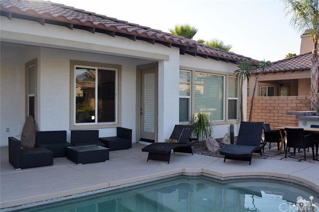 91 Shoreline Drive, Rancho Mirage CA: http://media.crmls.org/medias/85d219a9-7702-41da-912d-2e885fca83bf.jpg