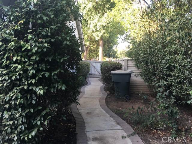 1742 Cambridge Circle, Redlands CA: http://media.crmls.org/medias/85d8b0d2-539a-4a5f-9718-817f5eb19314.jpg