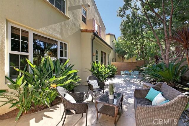 40 Secret Garden, Irvine CA: http://media.crmls.org/medias/85e6cb09-a923-4b94-8cc6-fe7efff4862a.jpg