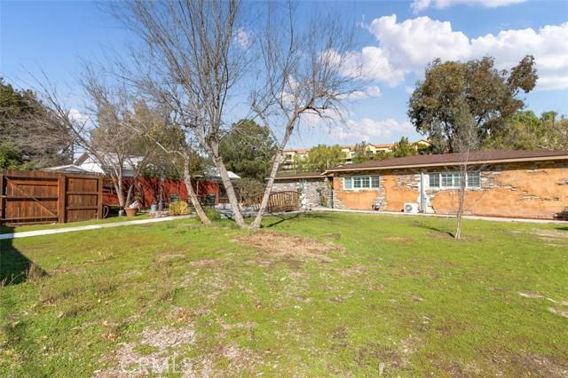 24421 Jefferson Avenue, Murrieta CA: http://media.crmls.org/medias/85e72c7e-a9ee-4edb-b449-e02efc2e80c7.jpg