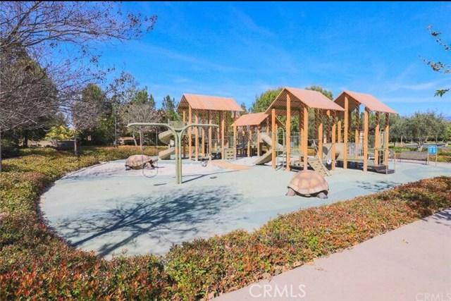 76 Bianco, Irvine CA: http://media.crmls.org/medias/85eac71f-1cfa-4518-a914-5a9e9c31bd2a.jpg