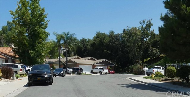 19031 Wildwood Circle, Lake Forest CA: http://media.crmls.org/medias/85f5aac4-de2d-401d-aeb7-a0acd1226304.jpg