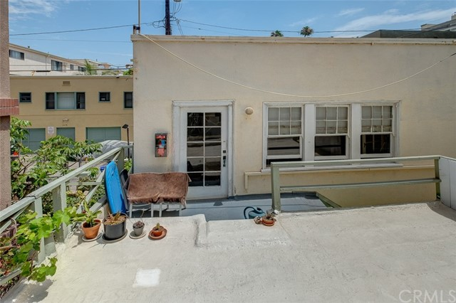 1045 Ocean Ave, Santa Monica, CA 90403 photo 21