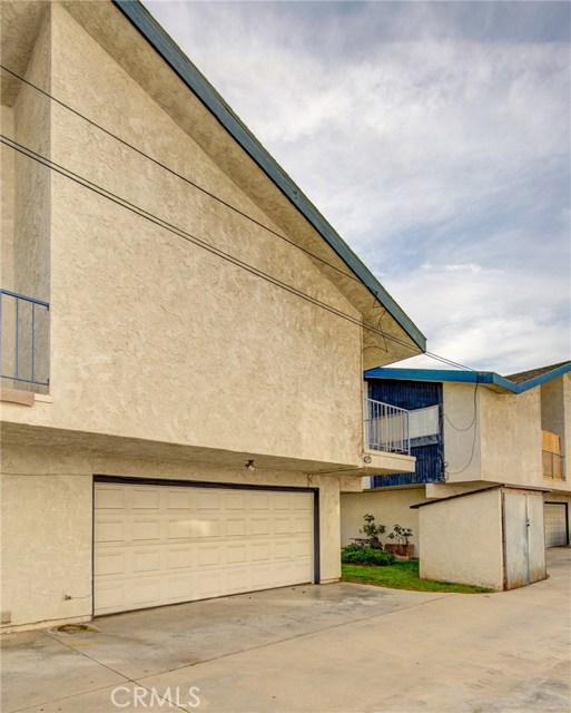 13715 Cerise Avenue, Hawthorne CA: http://media.crmls.org/medias/86167998-45a3-4483-87d7-8fdff092df2e.jpg