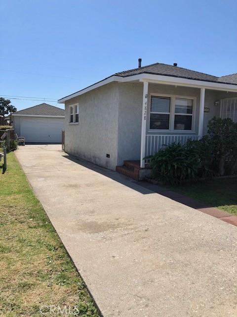 4828 W 136th Street, Hawthorne CA: http://media.crmls.org/medias/862605da-cead-4499-88ec-65fc93631563.jpg
